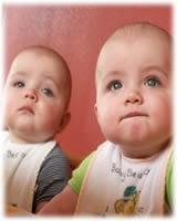 ¿Cómo elegir nombres para los gemelos?