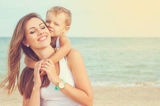Mujer,niño- ¿Cómo enfrentar el ser una madre soltera?