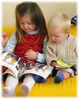 Niños leen
