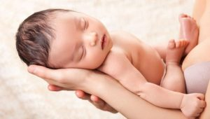 niño- Canguros colgantes: una buena opción para llevar a tu bebé