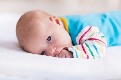 Bebé de 4 meses y 1 semana