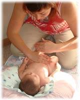 Tips para darle un masaje al bebé