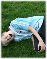 Niño caida