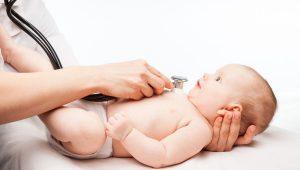 causas de los problemas cardíacos en los niños