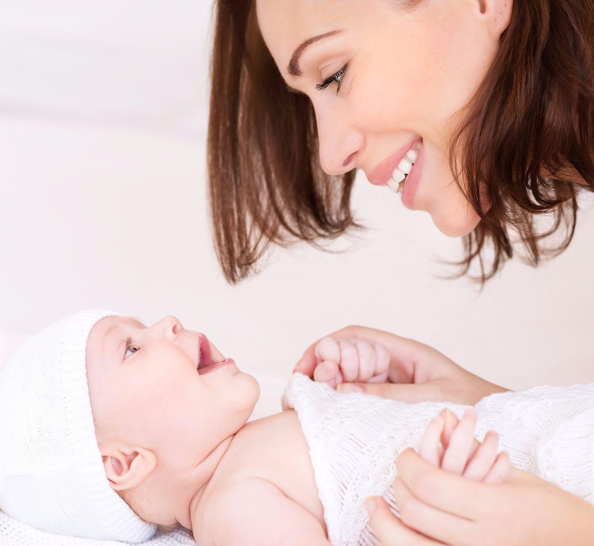 cambiar el pañal del bebé
