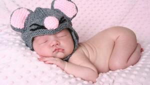 bebé un mes y 3 semamas