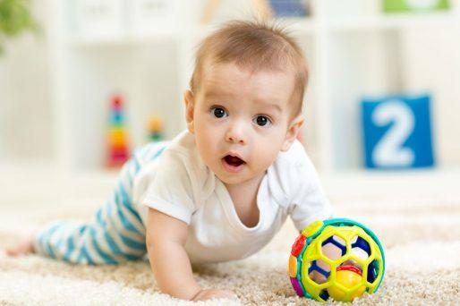 Bebé de 4 meses y 3 semanas