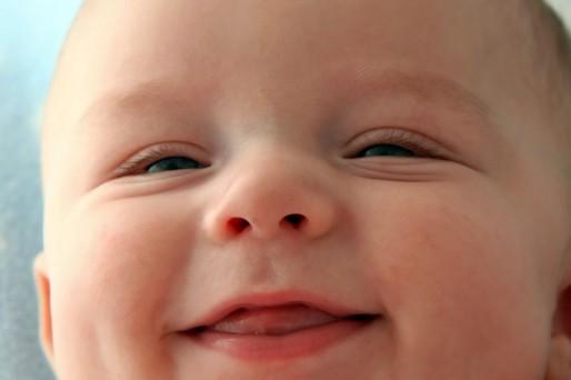 bebé de 7 meses y 1 semana