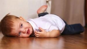 niño con berrinche