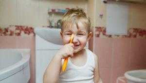 El cepillado de los dientes en niños