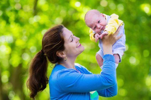 el control de la cabeza del bebé