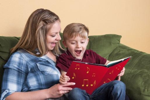 cómo demostrarle amor a los niños