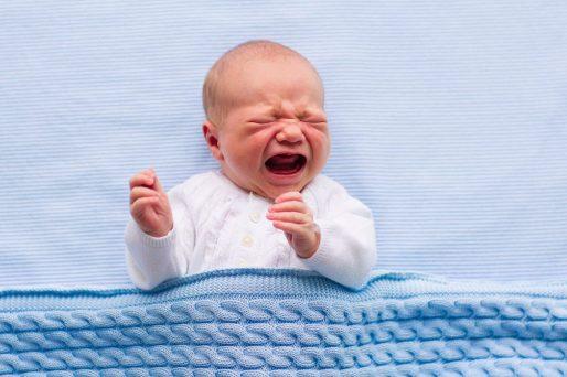 bebé llorando- ¿Por qué mi bebé no duerme de noche?