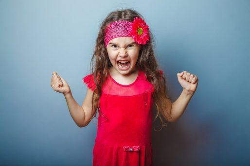 Cómo controlar el mal genio en los niños