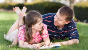 ¿Cómo puedo lograr que mi hijo se valga por sí mismo?
