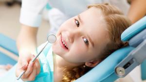 cuándo mudan los dientes los niños