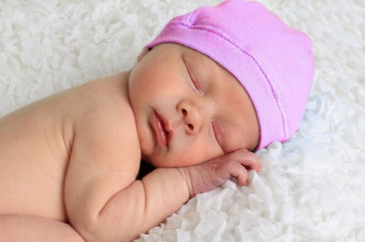 el bebé se desabriga por las noches