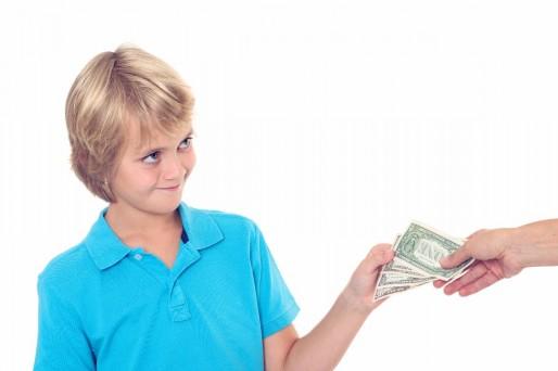 el niño debe saber cuánto ganan sus padres o si se deben reservar esta información