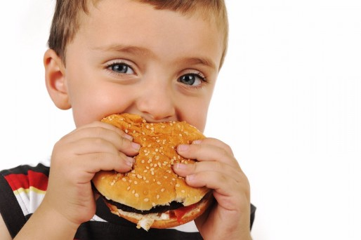 niño hamburguesa