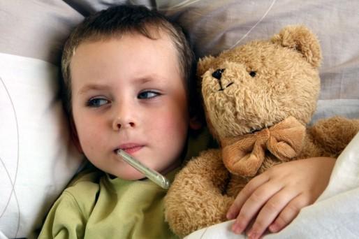 por qué los niños fingen estar enfermos