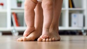 Primeros pasos del bebé: Aprendiendo a caminar