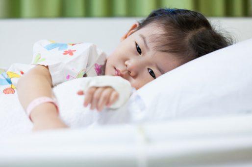 Niña enferma- Conoce cómo actuar ante un accidente en el hogar