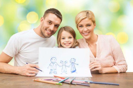 ¡Todos embarrados! Divertida sesión de fotos familiar antes de la llegada de un nuevo bebé