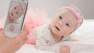 Riesgos de los lazos en la cabeza del bebé