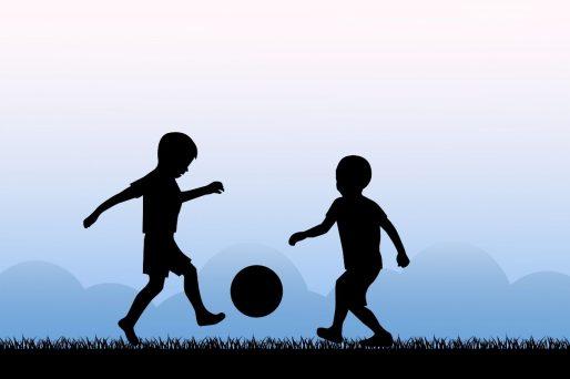 importancia del fútbol en los niños