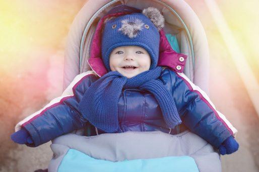Cómo mantener al bebé caliente durante el invierno