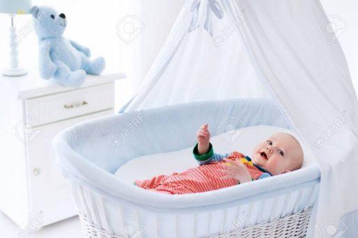 la cuna del bebé