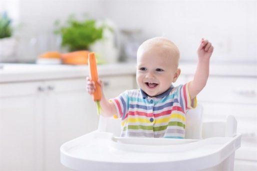 dar sólidos al bebé