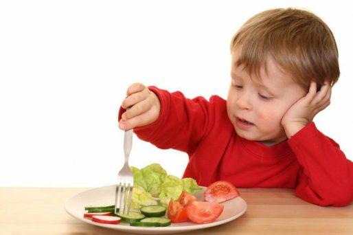 Trucos para que tu hijo coma verduras