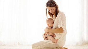 despertar al bebé para amamantarlo